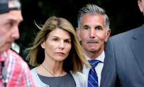 Lori Loughlin's Friends And 'Fuller House' Co-Stars Reportedly Concerned About Her As She Gets Ready For Jail Sentence – Here's Why!