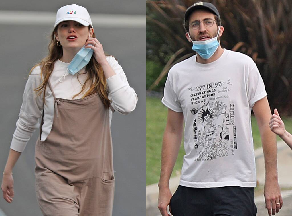 Emma Stone And Dave McCary Married In Secret? – Fans Are Convinced After Seeing Their Matching Rings!