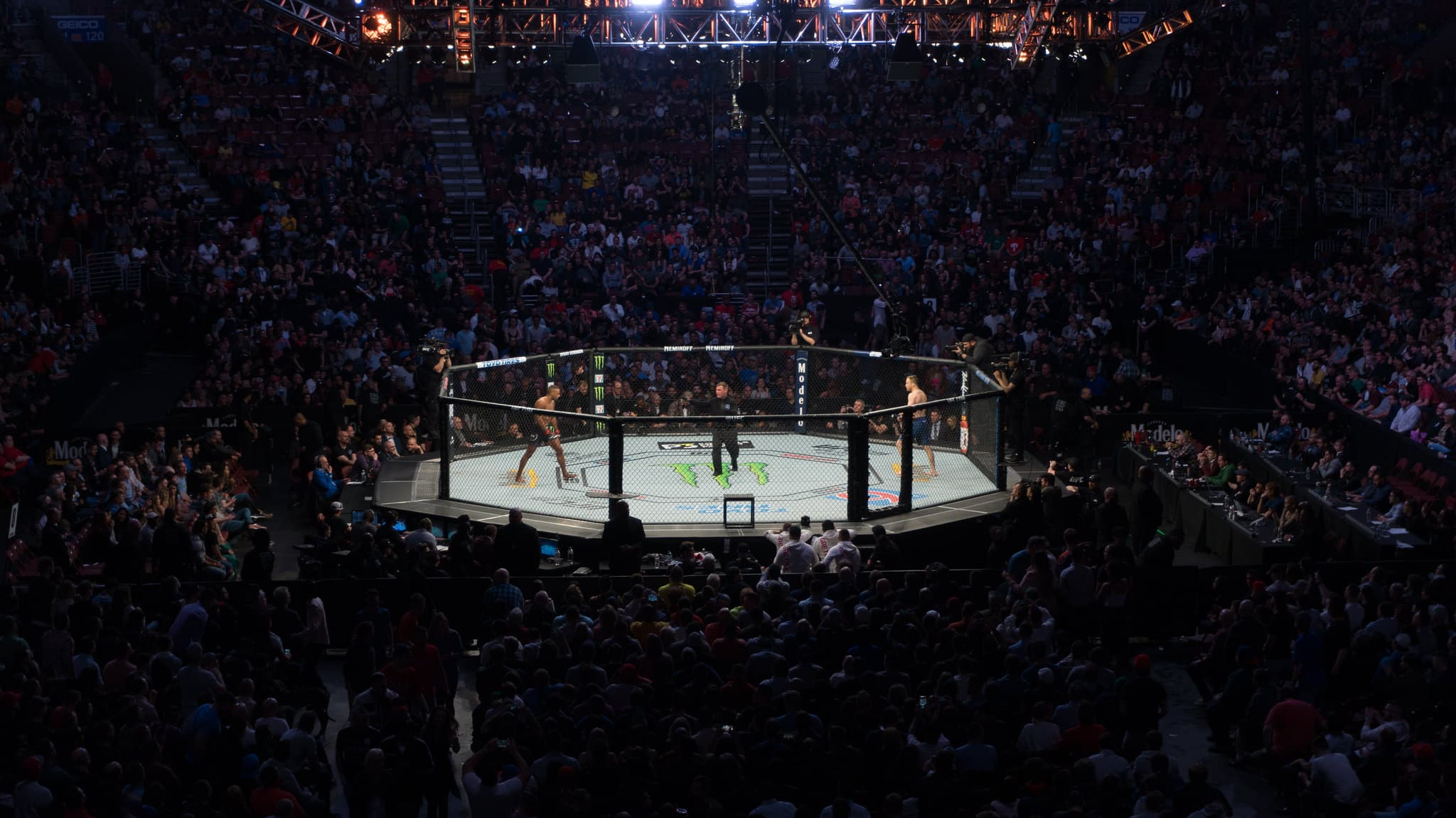 Alistair Overeem Better Than Augusto Sakai, Earns Fourth Win in Previous Five Matches