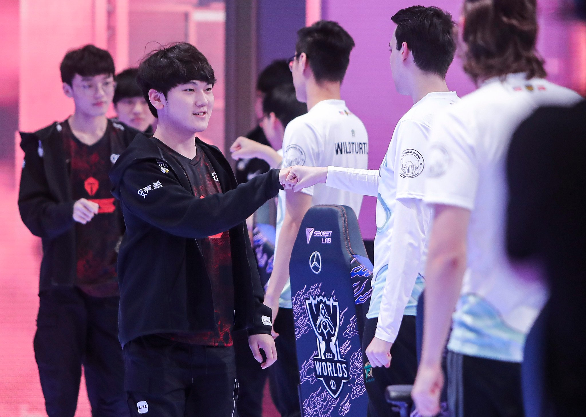 The Match Between LPL's First Seed Top Esports And Korea's Second Seed DRX Gathered 1.7 Million Unique Viewers