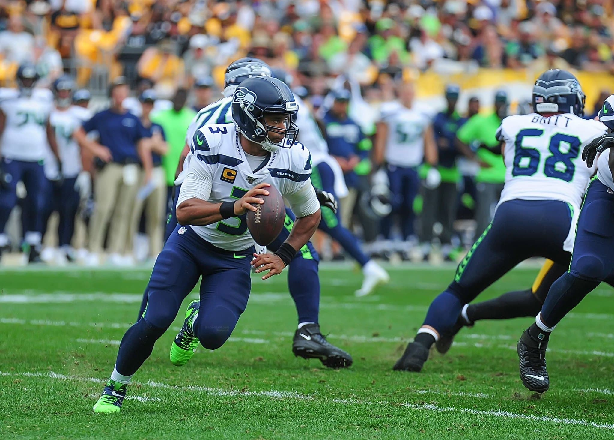 Seattle Seahawks Top the NFC West Following a Victory Over Arizona Cardinals, 28-21