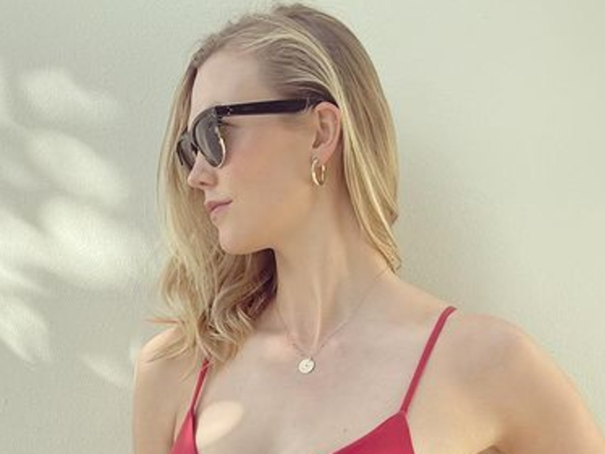 Karlie Kloss Puts Her Baby Bump On Full Display In Red, Amaio Bikini — See The Look