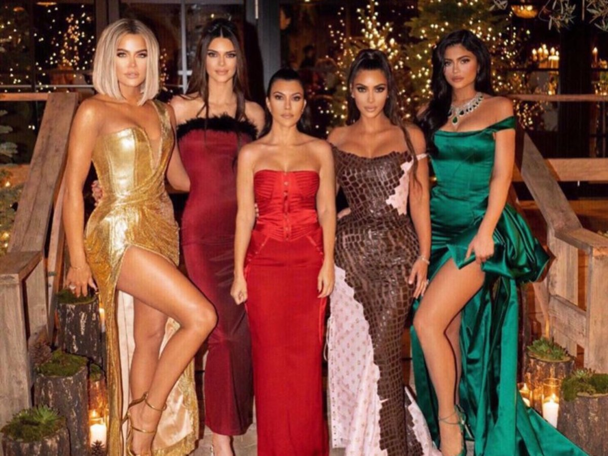 Khloe Kardashian Confirms Kris Jenner's Huge Holiday Party Is Canceled Due To COVID